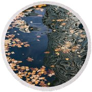 Skyscrapers' Reflections And Fallen Autumn Leaves Round Beach Towel