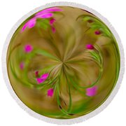 Small Pink Buds Round Beach Towel