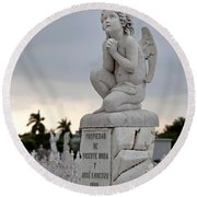 Small Praying Angel Round Beach Towel