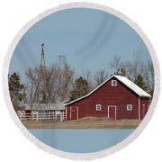 Small Red Barn With Windmill Round Beach Towel