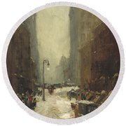 Snow In New York Round Beach Towel