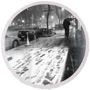 Snow In The City Round Beach Towel