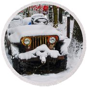 Snow Jeep Round Beach Towel