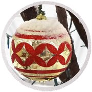 Snow Just In Time For Christmas Round Beach Towel