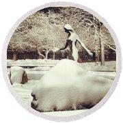 Snow Woman Round Beach Towel