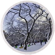 Snowboarders In Central Park Round Beach Towel