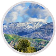 Snowing In Orange County Round Beach Towel