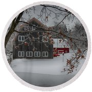 Snowy Grey And Red Round Beach Towel