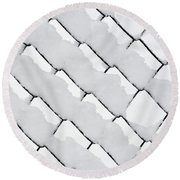 Snowy Wire Netting Round Beach Towel
