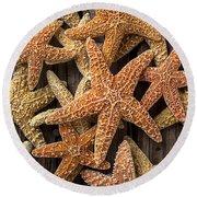 So Many Starfish Round Beach Towel