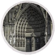 South Entrance Cologne Cathedral Round Beach Towel