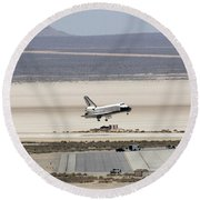 Space Shuttle Atlantis Landing Round Beach Towel