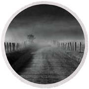 Sparks Lane In Black And White Round Beach Towel