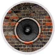 Speaker On A Cracked Brick Wall Round Beach Towel