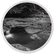Spinning Leaves Bw Round Beach Towel