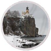 Split Rock Lighthouse Winter 19 Round Beach Towel