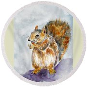Squirrel With Nut Round Beach Towel