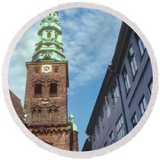 St. Nikolai Church Tower Round Beach Towel