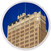 Standing Tall In San Antonio Round Beach Towel