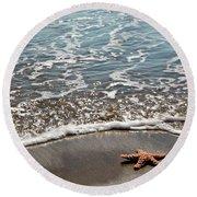 Starfish Catching The Waves Round Beach Towel