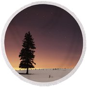 Stars In The Night Sky With Lone Tree Round Beach Towel