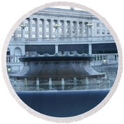 State Capital Fountain Round Beach Towel