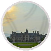 Stately Castle Round Beach Towel