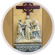 Station Of The Cross 10 Round Beach Towel