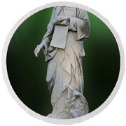 Statue 18 Round Beach Towel