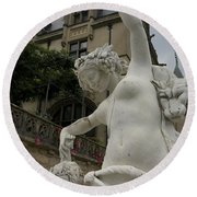 Statue At Biltmore Estate Round Beach Towel