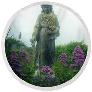 Statue Round Beach Towel
