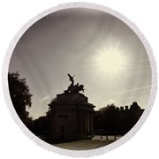 Statue Of Angel Of Peace Atop The Wellington Arch Round Beach Towel