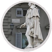 Statue Of Carlo Goldoni Round Beach Towel