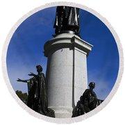 Statue Of King Edward Vii Round Beach Towel