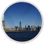 Statue Of Liberty And Manhattan Round Beach Towel