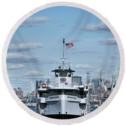 Statue Of Liberty Ferry Round Beach Towel