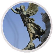 Statue On The Tomb Of The Unknown Soldier Round Beach Towel
