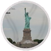 Statue With Colossus Round Beach Towel