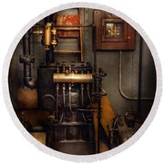 Steampunk - Back In The Engine Room Round Beach Towel