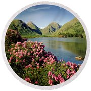Stillness Of The Mountain Round Beach Towel