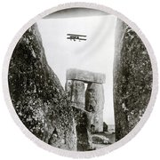 Stonehenge 1914 Round Beach Towel by Science Source
