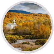 Stowe Church At Sunset Round Beach Towel