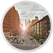 Street As Seen From The High Line Park Round Beach Towel