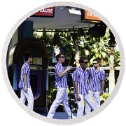 Street Entertainers In The Hollywood Section Round Beach Towel