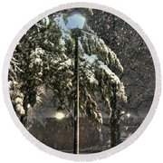 Street Lamp In The Snow Round Beach Towel