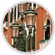 Street Lamps Of Venice Round Beach Towel
