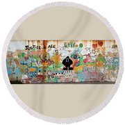 Street Mural At Liguanea Round Beach Towel