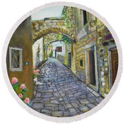Street View In Pula Round Beach Towel