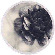 Striking In Black And White Round Beach Towel