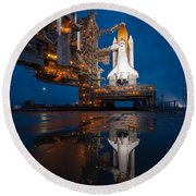 Sts 135 Atlantis Prelaunch Round Beach Towel